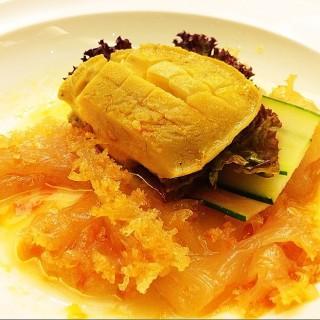 撈汁鮑魚拌蜇頭 - ใน淡水區 จากร้าน淡水漁人碼頭福容大飯店-阿基師觀海茶樓 (淡水區)|New Taipei / Keelung