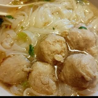 豬肉丸河 -  九龍城 / Wong Ming Kee (九龍城)|香港