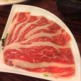 本地手切肥牛 - 位於的隨變麻辣火鍋專門店 (油麻地) | 香港