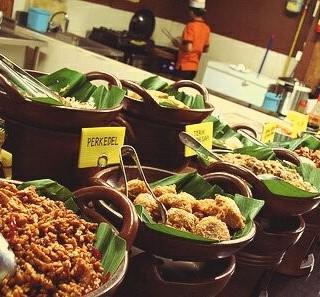 位於Kelapa Gading的Eat and Eat Food Market (Kelapa Gading) | 雅加達