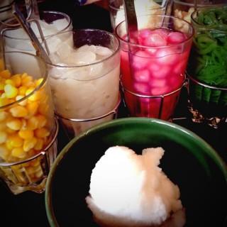 ไอศครีมกะทิ -  ปทุมวัน / Nara Thai Cuisine (นารา) (ปทุมวัน)|กรุงเทพและปริมลฑล