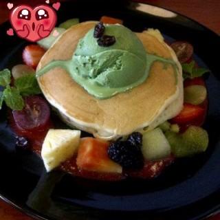 fruit sensation pancake -  Bandung Tengah / Le Marly Pantry (Bandung Tengah)|Bandung