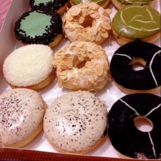 Oreology, alcapone, avicado, white dessert, tiramissu, green tease - Kebon Agung's J.Co Donuts & Coffee (Kebon Agung)|Semarang