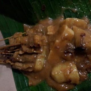 sate padang - ในTanjung Duren จากร้านSate Padang Simpang Raya (Tanjung Duren)|Jakarta
