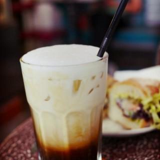 Iced gingerbread cafe latte - ใน上環 จากร้านHomei (上環)|ฮ่องกง