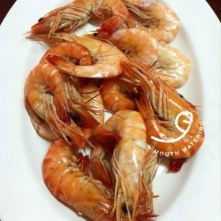 กุ้งอบเกลือ -  dari Daeng Seafood (อ.เมืองสมุทรสงคราม) di อ.เมืองสมุทรสงคราม |Others