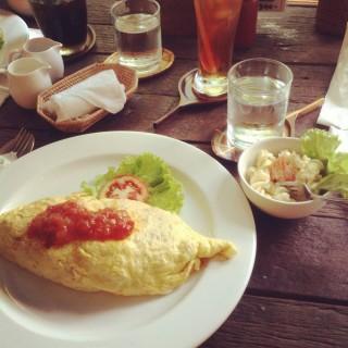 ข้าวห่อไข่ - 位於คลองตันเหนือ的Chico (คลองตันเหนือ) | 曼谷