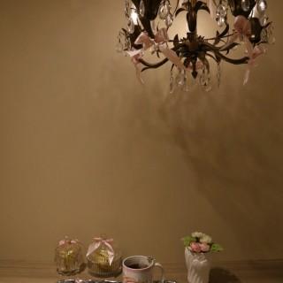 好鍾意盞水晶燈! - 位於的baby Mon cher Cafe (銅鑼灣) | 香港