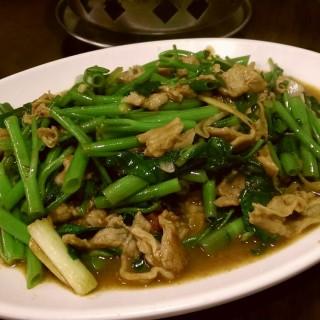 沙茶炒羊肉 -  dari 深坑大樹下 (深坑區) di 深坑區  New Taipei / Keelung