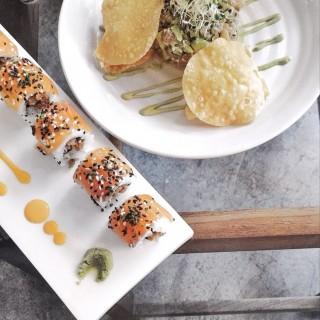 Salmon Sashimi, Tuna and avocado -  Kallang / Kilo (Kallang)|Singapore