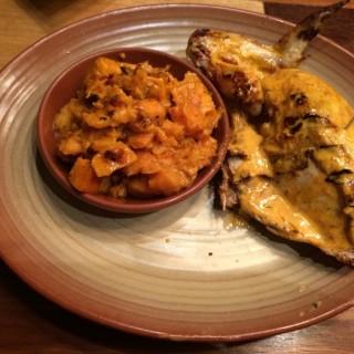 1/4 Hot Peri-peri Chicken with smashed potato - 位於Dover的Nando's (Dover)   新加坡