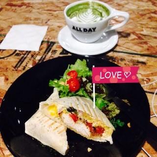 Mexican burrito & mocha au lait  -  dari All Day Roasting Company (松山區) di 松山區 |Taipei