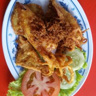 sotong penyet - 位於Serangoon的Nuraini Chicken Rice & Nasi Padang (Serangoon) | 新加坡