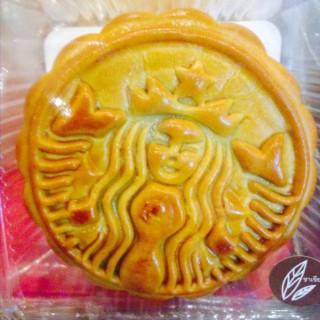 ขนมไหว้พระจันทร์ - 位于ลุมพินี的Starbucks Coffee (สตาร์บัคส์) (ลุมพินี) | 曼谷