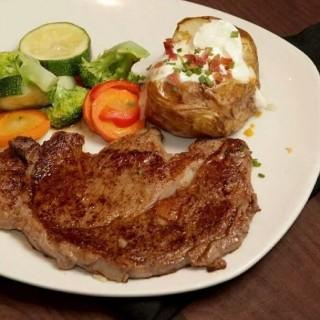 Ribeye steak -  Makati / Outback Steakhouse (Makati)|Metro Manila