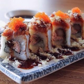 California Roll Sushi - Slipi's Tokio Kitchen (Slipi)|Jakarta