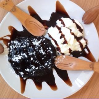Choco lava - 位於คลองตันเหนือ的Cataholic Cafe' (คลองตันเหนือ) | 曼谷