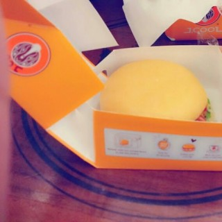 Chesse Burger -  dari J.Co Donuts & Coffee (Jawa) di Jawa |Other Cities