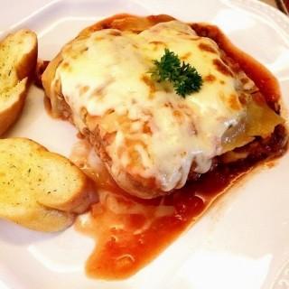 Beef lasagna - 位於的Nanny's Pavillon (Slipi) | 雅加達
