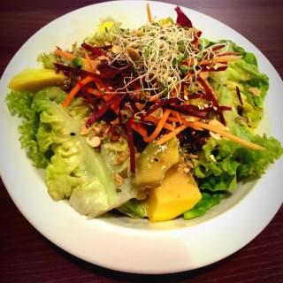 Avocado and Mango Salad - Jalan Besar's 7 Sensations Restaurant (Jalan Besar)|Singapore