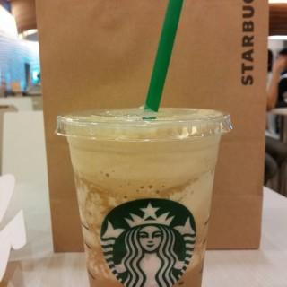 เอสเปรสโซ แฟรบปูชิโน่ -  dari Starbucks Coffee (สตาร์บัคส์) (อ.ปากเกร็ด) di อ.ปากเกร็ด |Bangkok