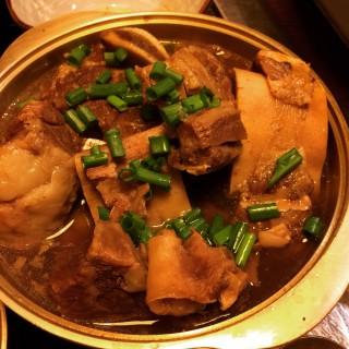 全宇宙最好食嘅炆牛肋骨 -  dari 味樂亭 (氹仔舊城區) di 氹仔舊城區 |Macau