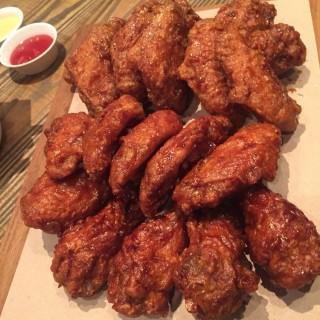 Chicken Set - Khlong Toei Nuea's Mono+Mono (Khlong Toei Nuea)|Bangkok