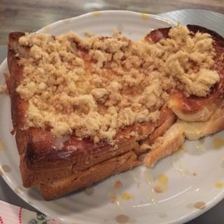 肉鬆奶醬厚多士 - ใน荃灣 จากร้านcoffeePEDIA (荃灣)|ฮ่องกง