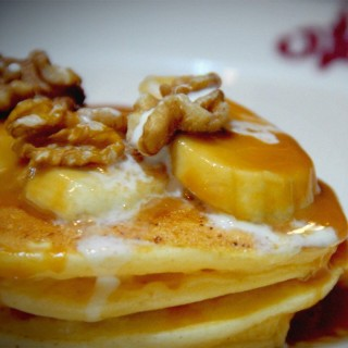 Banana walnut pancake -  dari The Match Box (銅鑼灣) di 銅鑼灣 |Hong Kong