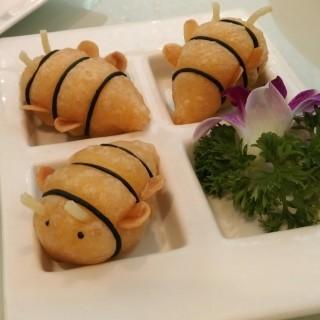 奶皇小蜜蜂 - 位于旺角的鴻星中菜 (旺角) | 香港