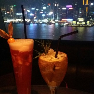 Signature drinks with a wonderful view - 位於尖沙咀的Aqua (尖沙咀) | 香港