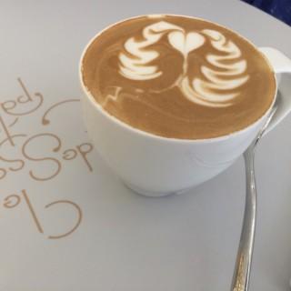 Cappuccino - ใน旺角 จากร้านLe Dessert Palais (旺角)|ฮ่องกง