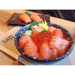 Salmon Sashimi - 位于คลองตันเหนือ的Kaze Fresh Japanese Restaurant (คลองตันเหนือ) | 曼谷