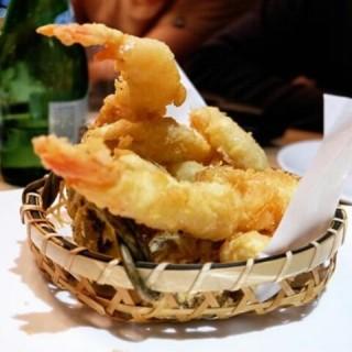 Seafood Tempura - ในSetia Budi จากร้านAkira Back (Setia Budi)|Jakarta