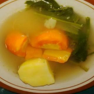 sops sayur - 位于的Ayam Goreng Pak Salim (Simpang Lima) | 三宝珑