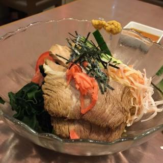 叉燒冷麵 - ใน筲箕灣 จากร้านKny Yakumo Sapporo Ramen (筲箕灣)|ฮ่องกง