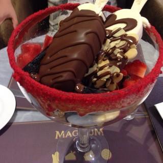 ice cream dessert - Pondok Indah's Magnum Cafe (Pondok Indah)|Jakarta