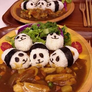 日式咖哩熊貓飯套餐 - ใน鰂魚涌 จากร้านRed Bean Dessert (鰂魚涌)|ฮ่องกง