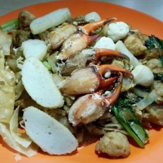 kwetiau goreng kepiting - 位於Grogol的Kwetiaw Sapi Jangkung (Grogol) | 雅加達
