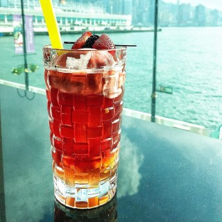 Iced peach and passion fruit tea - ใน尖沙咀 จากร้านLe Café de Joël Robuchon (尖沙咀)|ฮ่องกง