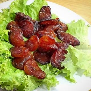 sosis babi -  dari Apeng Kwetiaw Medan (Tegalsari) di Tegalsari |Surabaya