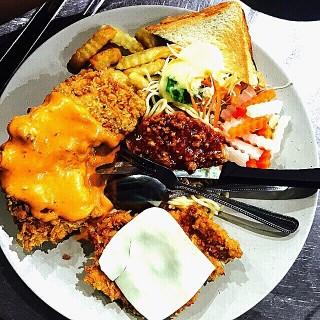 เสต็ก -  dari อ้วนผอม (วังใหม่) di วังใหม่ |Bangkok