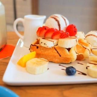 香蕉巧克力佐香草冰淇淋鬆餅 -   / 好拾日咖啡館 (桃園區)|桃園