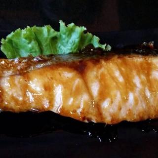 ปลาแซลมอลย่างซีอิ้ว -  สวนหลวง / Tuna Ichiban (สวนหลวง) กรุงเทพและปริมลฑล