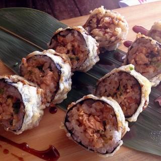 Spicy Salmon Tempura Roll -  dari Watami Japanese Casual Restaurant (Pasay) di Pasay |Metro Manila