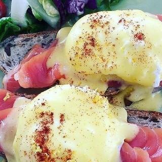 Egg Benedict -  Bukit Damansara / Huckleberry Food & Fare (Bukit Damansara) Klang Valley