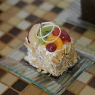 almond cake -  dari Dapur Cokelat (Jawa) di Jawa |Other Cities