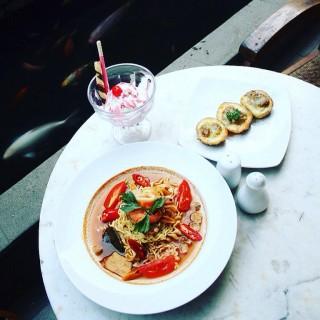 Tom Yum Noodle - Setiabudi's Potato Skin Resto (Setiabudi)|Bandung