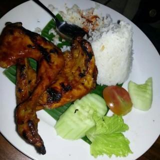 nasi ayam bakar kecap -  Lembang / Kampung Daun Culture Gallery & Cafe (Lembang)|Bandung