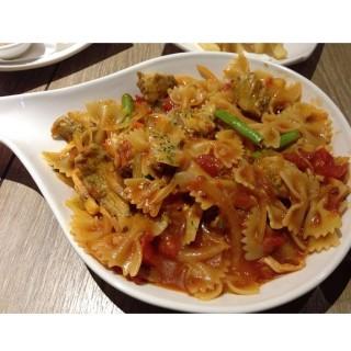 紅醬雞肉義大利麵 -  dari 235 Pasta (中西區) di 中西區 |Tainan